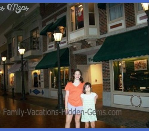 For more info about visiting this Iowa tourist attraction, visit www ...