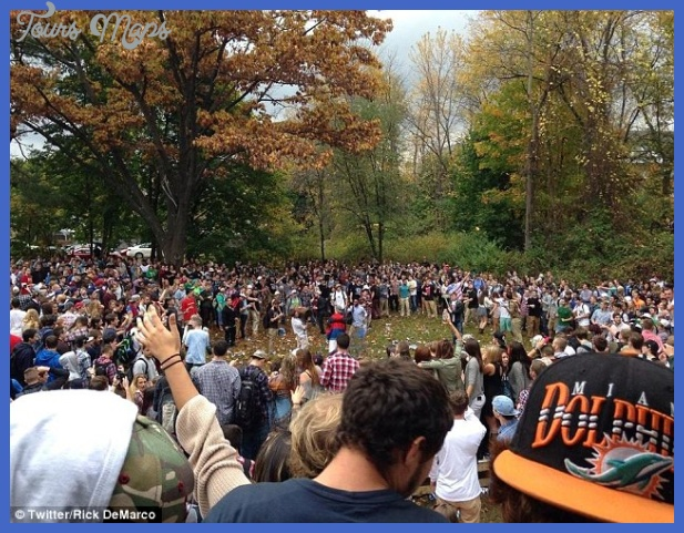 New Hampshire pumpkin festival turns into a riot as police tear gas ...