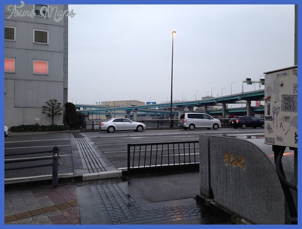 ... Junction of Fukuoka Expressway from west end of Chidoribashi Bridge at