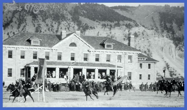 historic fort yellowstone  6 Historic Fort Yellowstone