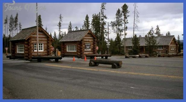 yellowstone north entrance 14 Yellowstone: NORTH ENTRANCE