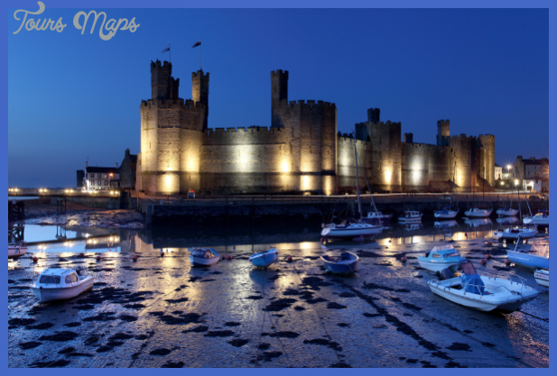 caernarfon cstle 300x 400 Best country in the world to visit