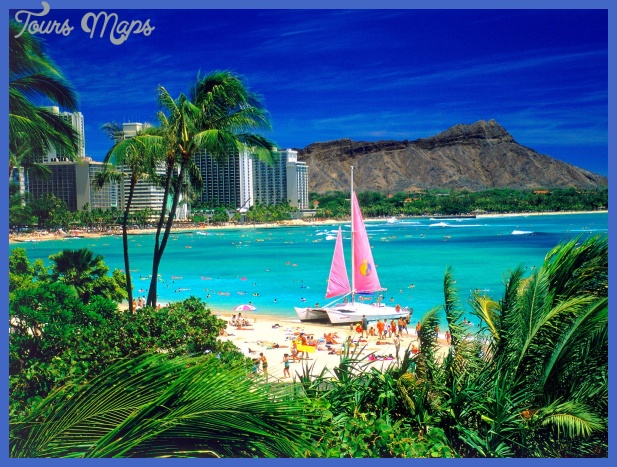 Best Beaches in Hawaii: Waikiki Beach – Oahu, Hawaii