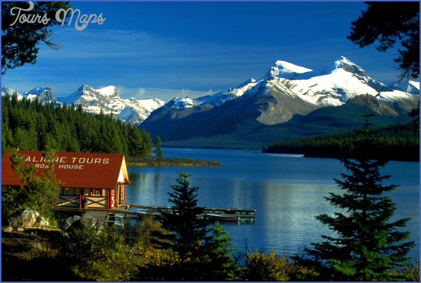canada boat house am maligne lake2c jasper np2c alberta2c ca CANADA