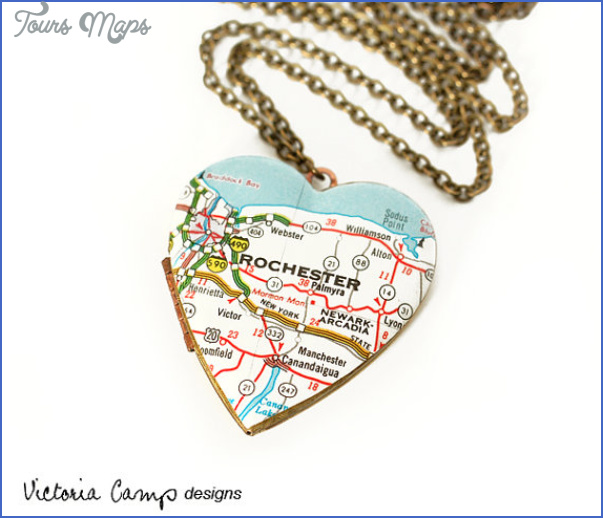 New York map necklace_12.jpg