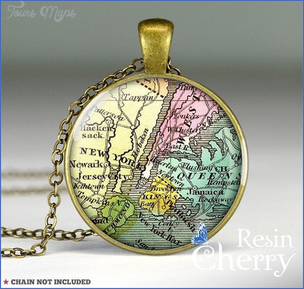 New York map necklace_25.jpg