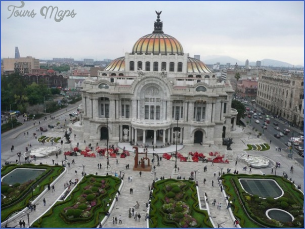 Palace-of-Fine-Arts-Mexico-City-©asmythie-600x450.jpg
