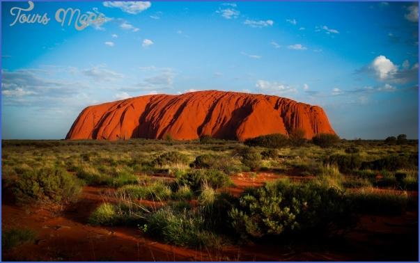Uluru-Australia.jpg