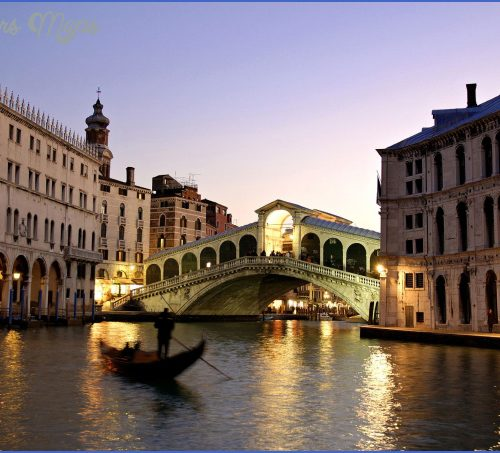 Venice_Italy3_Rialto_Bridge_Grand_Canal2.jpg