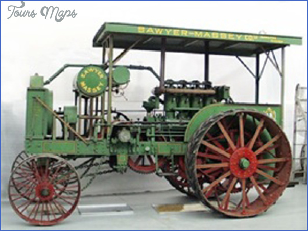 Canadian Tractor Museum_2.jpg