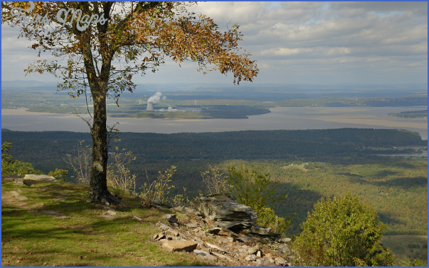 MOUNT NEBO STATE PARK OF ARKANSAS_6.jpg