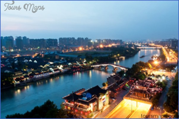 On Lake Taihu and the Grand Canal_15.jpg