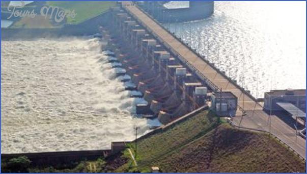 Central Hidroelectrica Yacyreta Paraguay_1.jpg