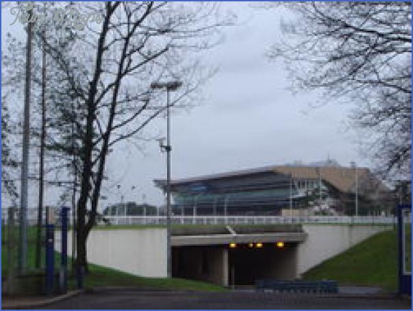 Hippodrome de Vincennes (Vincennes Race Track) Paris_6.jpg