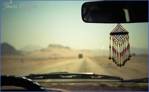 road trip safety tips for driving alone 5 Road Trip: Safety Tips for Driving Alone
