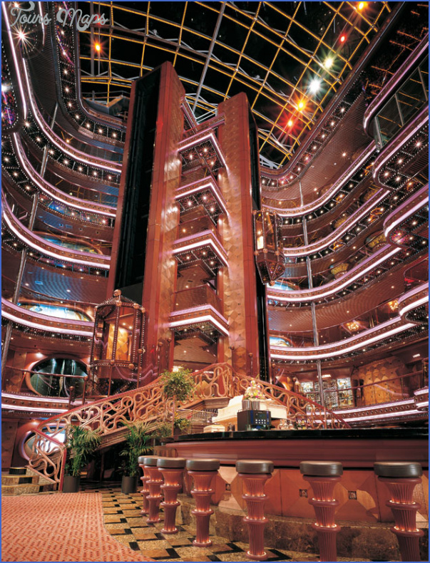 what entertainment does the cruise ship offer at night 6 What Entertainment Does the Cruise Ship Offer at Night?