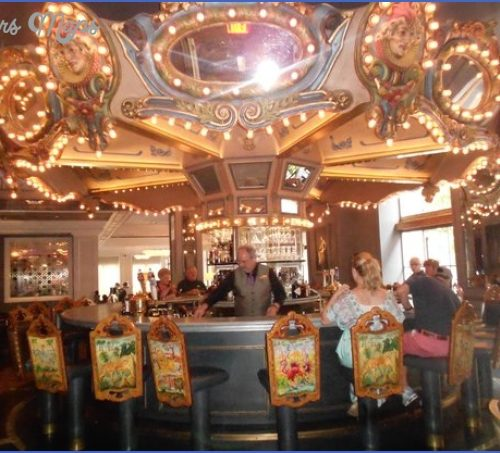 CAROUSEL BAR & LOUNGE NEW ORLEANS_2.jpg