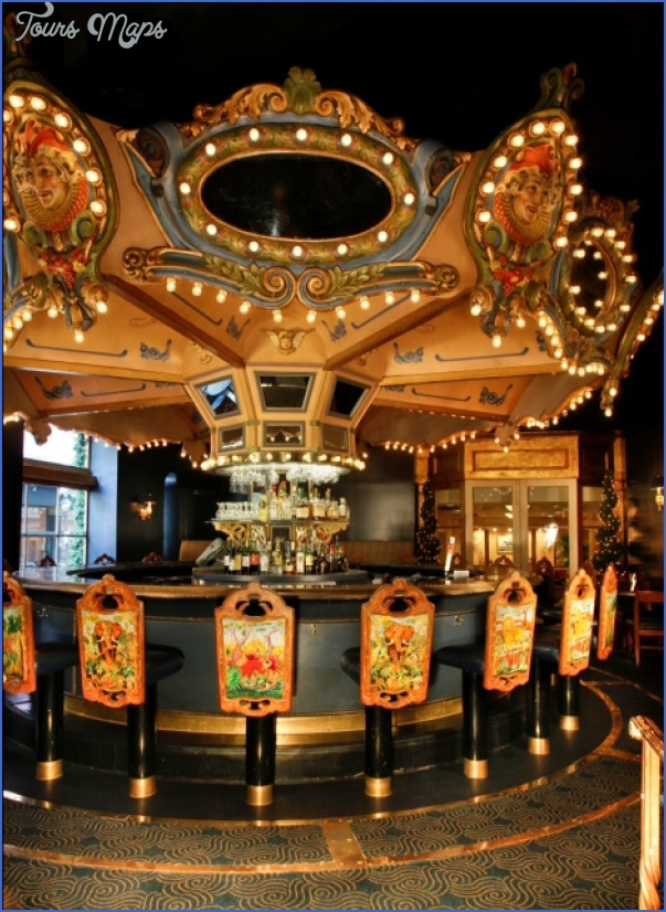 CAROUSEL BAR & LOUNGE NEW ORLEANS_7.jpg