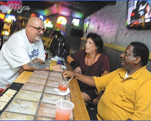 Good times at the Swizzle Stick Bar W.I.N.O.(WINE INSTITUTE OF NEW ORLEANS) NEW ORLEANS_9.jpg