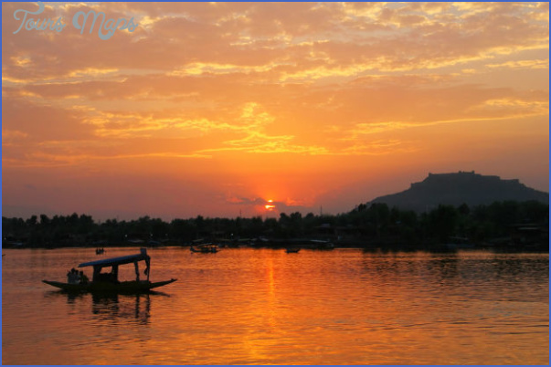 Top 5 Reasons Why You Should Visit Jammu and Kashmir_6.jpg