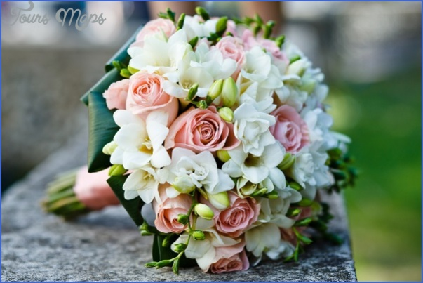 Wedding Flowers & Bouquet Ideas_14.jpg