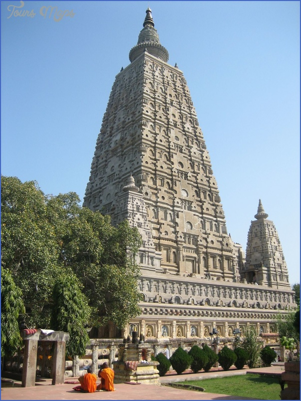 Mahabodhi Temple India_7.jpg