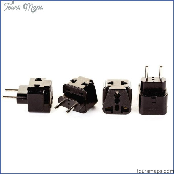 international travel adapter vs single country adapters 0 International Travel Adapter vs Single Country Adapters