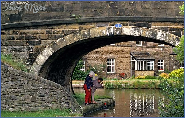 britain 22156 l Peak Forest Canal Fishing