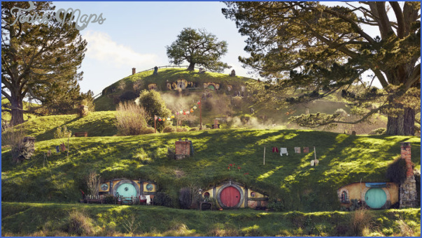 this isnt fantasy its hobbiton just as it was created for peter jacksons movies height406outputformatquality85source2153445transformationratio1 3transformationsystemautoboxfitwidth720 Hobbiton New Zealand Map