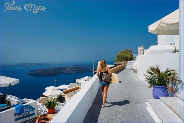 Travel to Santorini_2.jpg