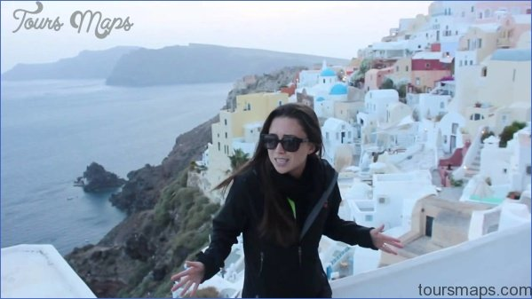 Traveling in Santorini_0.jpg