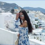 Traveling in Santorini_1.jpg