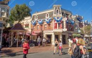 Disneyland Park Main Street, U.S.A._1.jpg