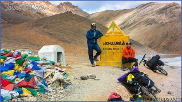 Ladakh_Two-cyclist-standing-on-mountains-road.jpg