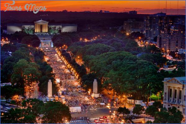 benjamin franklin parkway july 4th dusk1 900vp Best 4Th Of July Travel Destinations
