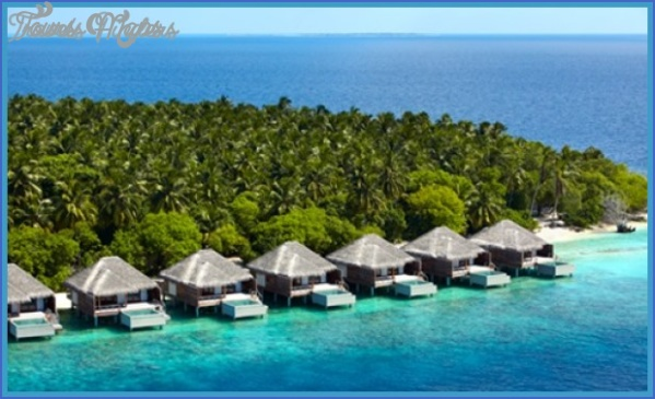 best-beach-destinations-in-the-us-kaunaoa-bay-hawaii-5.jpg