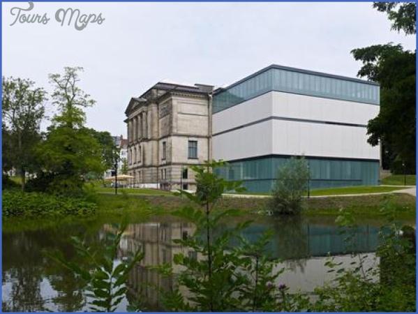 einem museum wachsen fluegel pdaarticlewide EINEM MUSEUM