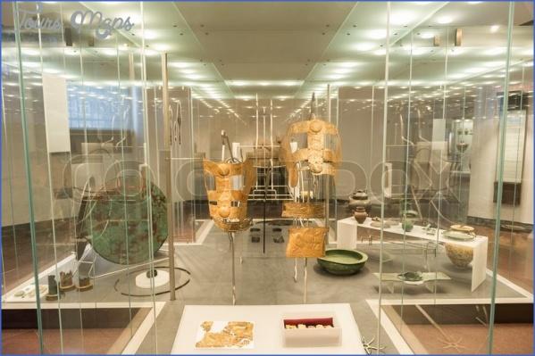 einem museum 2 EINEM MUSEUM