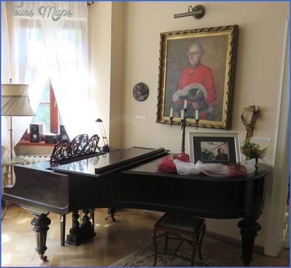 historyczny fortepian NOWOWIEJSKI MUSEUM