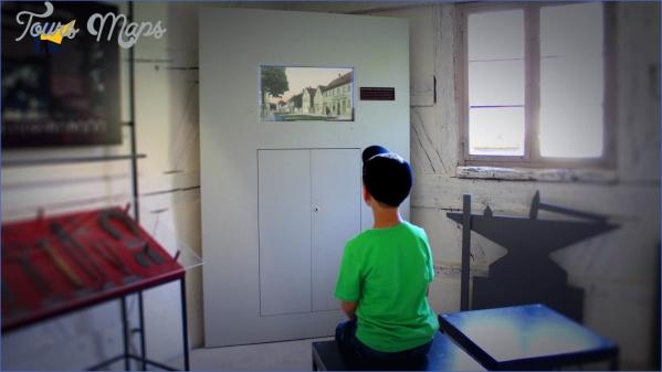 museumsfilm videoinstallation EINEM MUSEUM