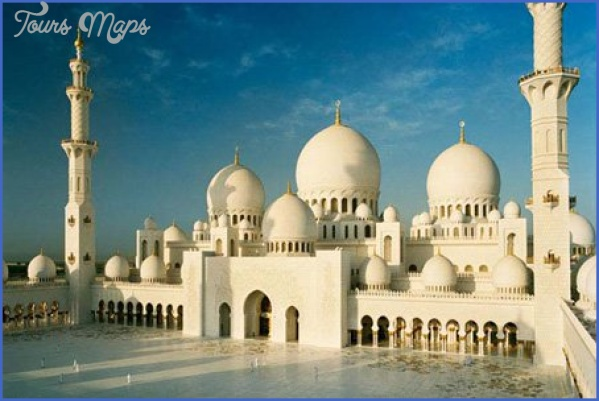 1 sheikh zayed grand mosque5e1 Reasons to Visit Abu Dhabi with Family
