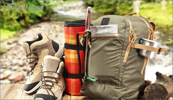 backpack hike boots adobe 680 What To Pack For Your Fall Hiking Adventure