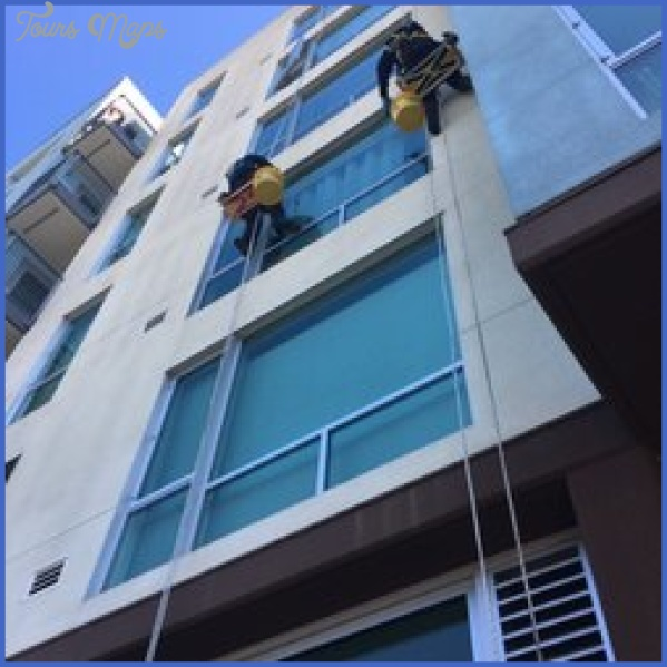 commercial building choosing the right window cleaning company 11 Commercial Building: Choosing the Right Window Cleaning Company?