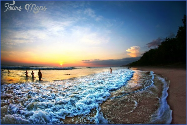 full sunset swim santa teresa 6 Beaches You Should Visit In Costa Rica