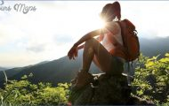 Hiking-girl-on-top-of-mountain_2048x.progressive_08b12938-f5dd-49e3-ae5a-698fa86b93b8_1400x.progressive.jpg?v=1516234951