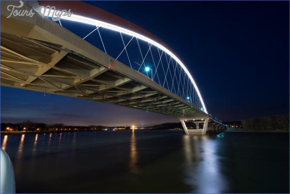 iLight-Hastings-Bridge-LED-Lights-Plexineon-White-02-88621.jpg