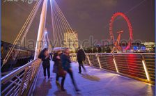 illuminated-golden-jubilee-bridges-run-across-the-river-thames-in-eacagg.jpg