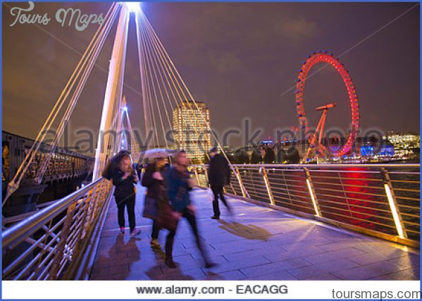 illuminated-golden-jubilee-bridges-run-across-the-river-thames-in-eacagg.jpg