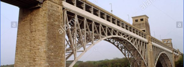 looking-se-at-the-britannia-bridge-a-railway-bridge-designed-by-robert-CF3KF8.jpg