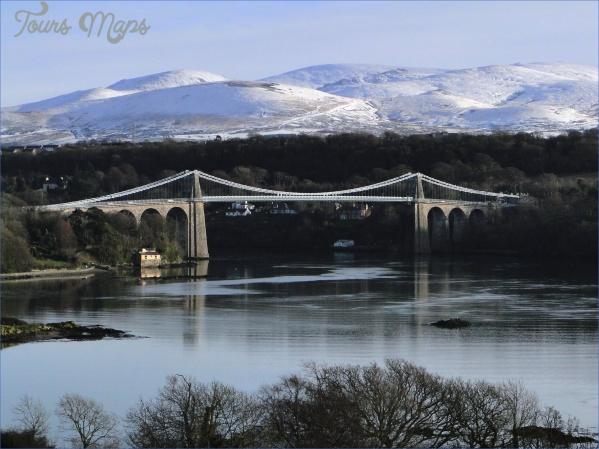 Menai_Suspension_Bridge_Dec_09.JPG